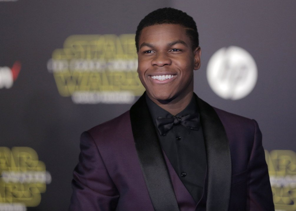 #StarWars actor @JohnBoyega: 'In every interview my skin color comes up' https://t.co/rHybxS6zuL https://t.co/WI4MslsJfX