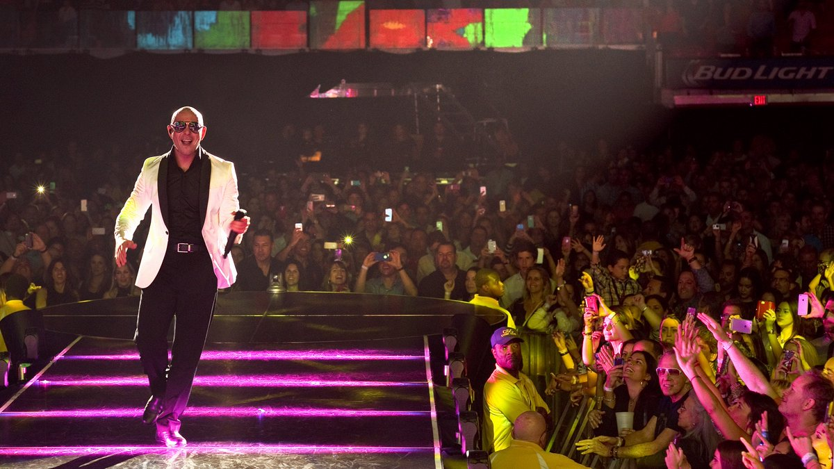 Let the fun keep flowing #PitbullVegas https://t.co/ZzDyqB9ia3 https://t.co/zsV9j4RgsY
