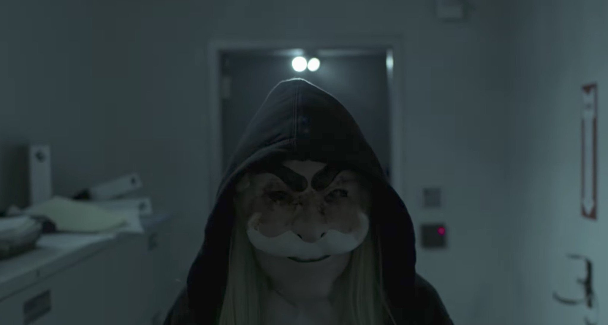 Mr. Robot season 3 starts in October, here's the creepy first trailer https://t.co/E5mB1PEBL1 https://t.co/icYaXUmttm