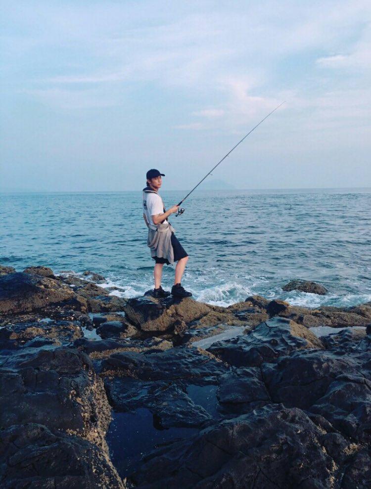 私の大好きな釣りショット。ありがとう。。バイト上がって裏であーかっこいい結婚したい。を連呼なう。地味に彼女の目線的なやつ