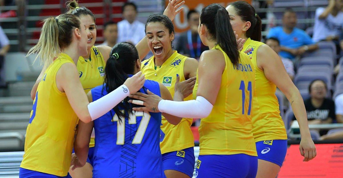 Com força e autoridade, Brasil vira para cima da Sérvia e vai à final do Grand Prix #vôlei