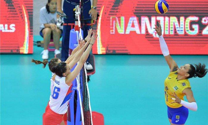 Brasil derrota a Sérvia e vai à final do Grand Prix de vôlei