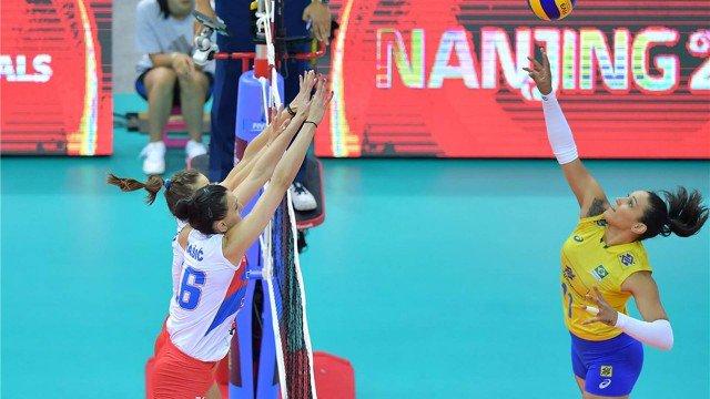 Meninas do Brasil derrotam a Sérvia e vão à final do Grand Prix de Vôlei