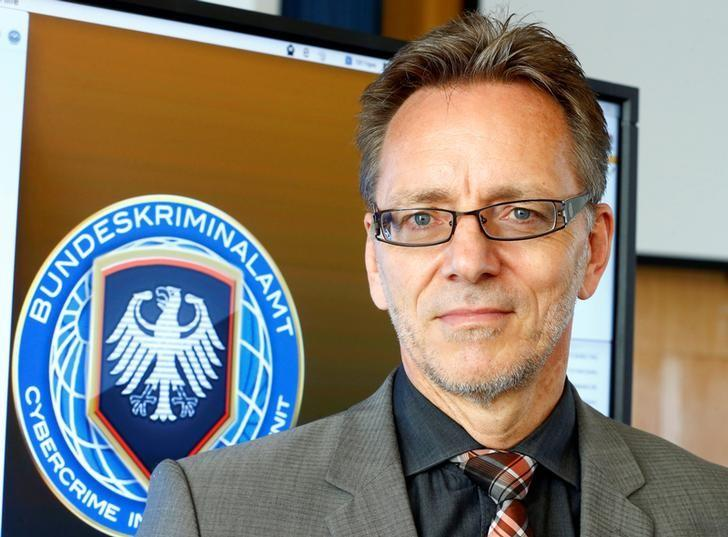 Germany needs tougher laws against cyber crime, top policeman tells paper