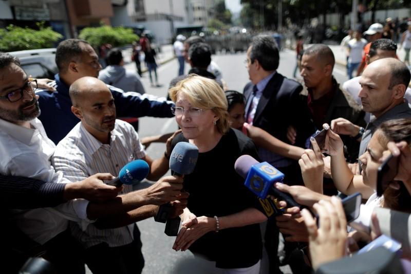 Venezuela pro-government assembly fires dissident prosecutor