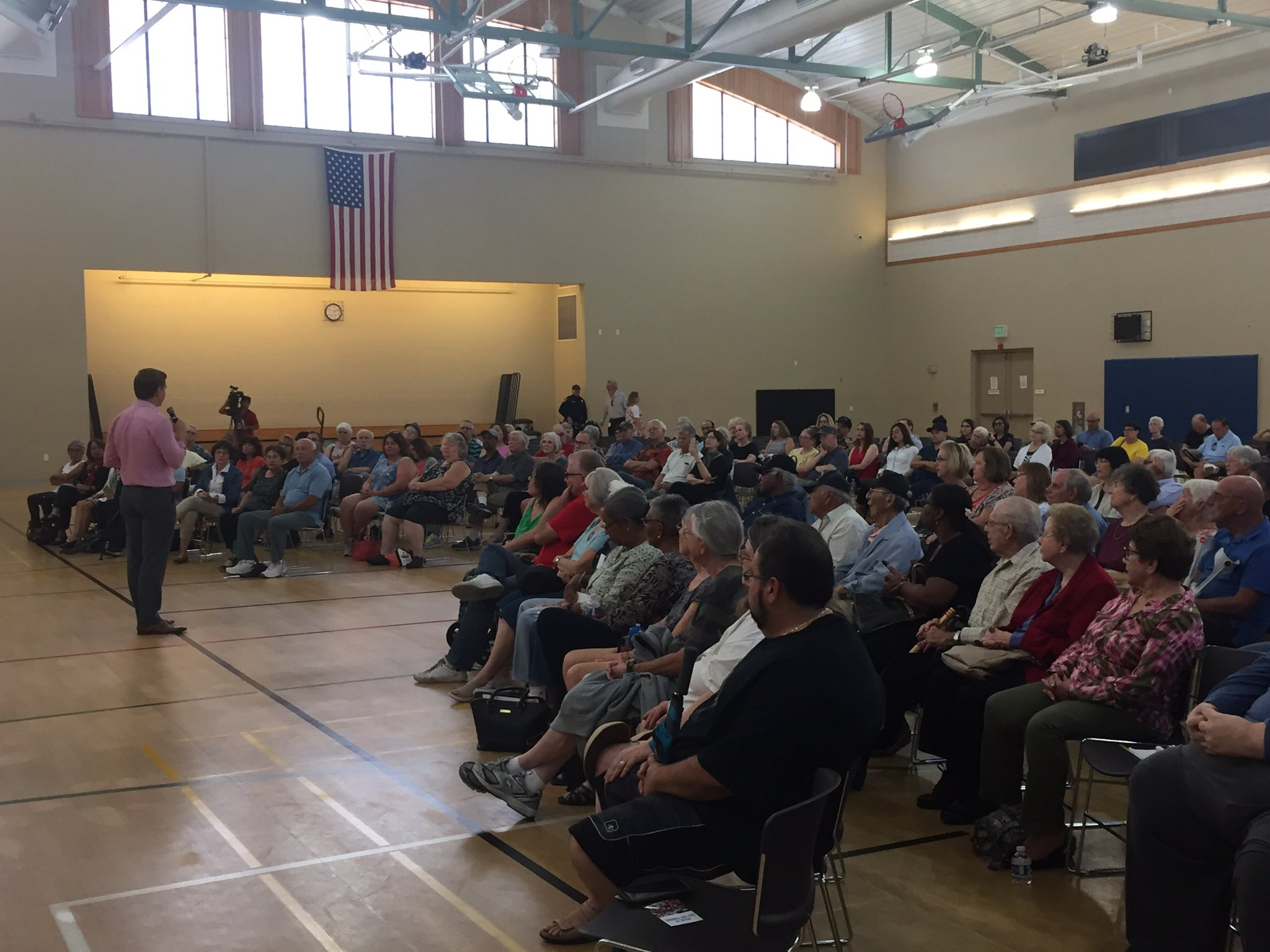 We're off and running with our second #CA15 town hall of the day, at Union City's Mark Green Sports Center. https://t.co/uodfbxUr39