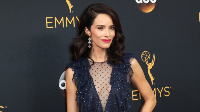 Timeless & Rectify star Abigail Spencer joins GreysAnatomy Season 14 in @ABC recasting