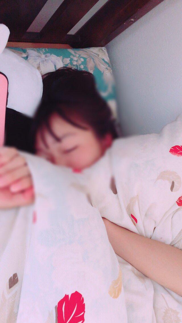 歌乃が寝た!寝顔も可愛い😍snowでコアラのやつやろうと思ったら出来なかった。、だからモザイクかけといた!なるるも寝な?