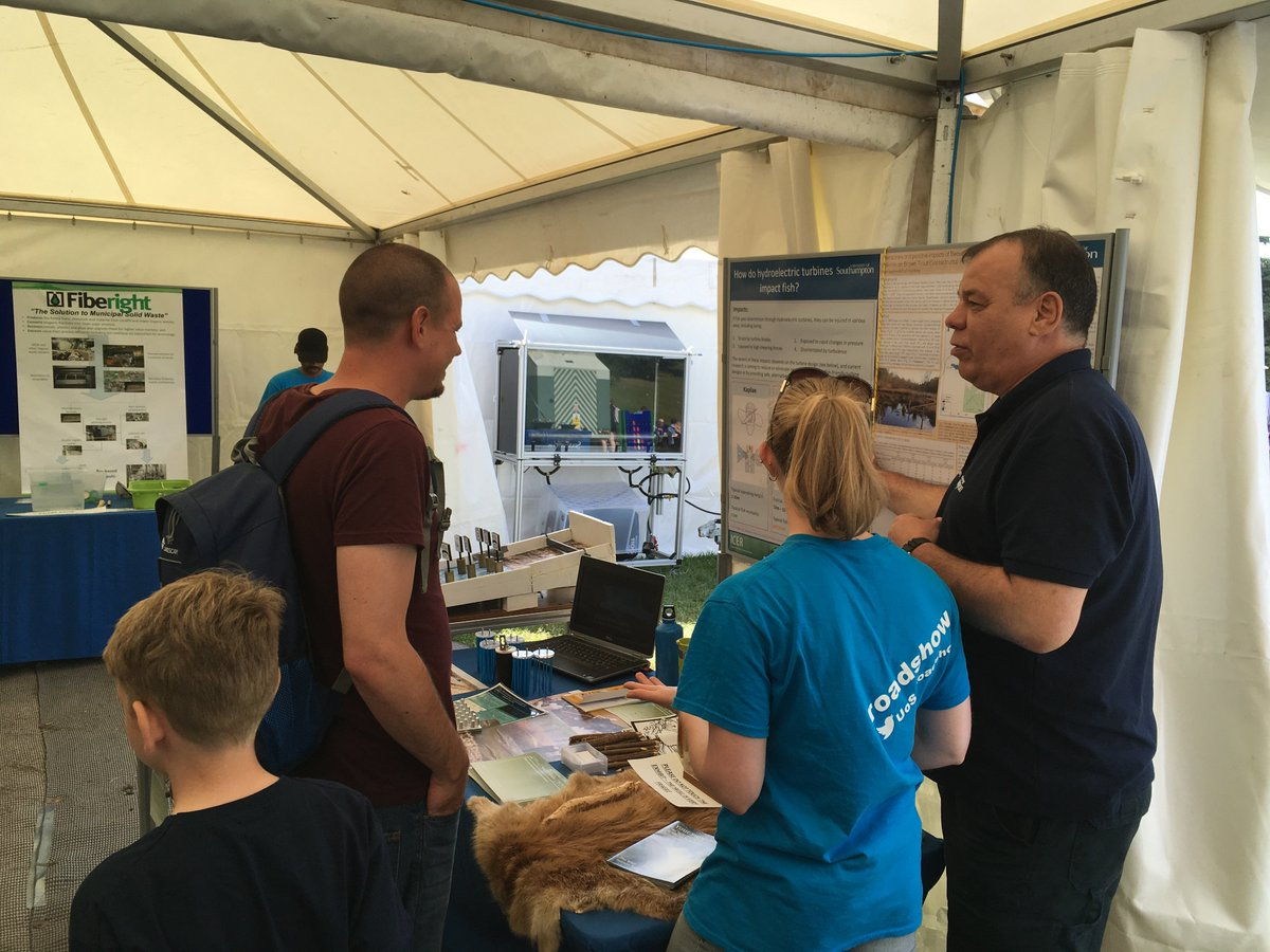 test Twitter Media - Day 4 and the final day of #CDTSIS & @UoS_Roadshow team @Countryfilelive come down see us before 5pm! https://t.co/U6hD915NNm