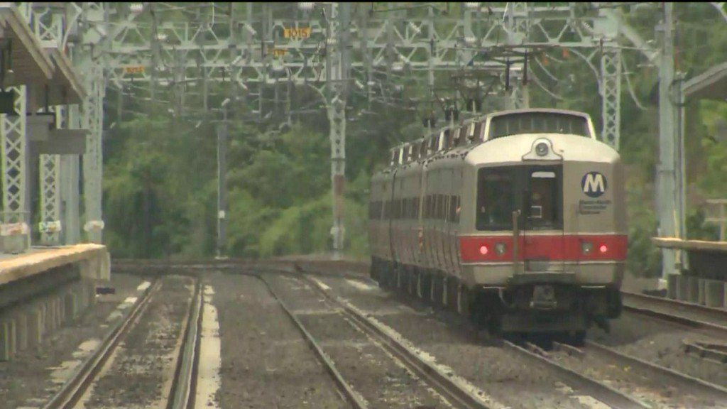 Trial over man's fall onto Metro-North wires to begin
