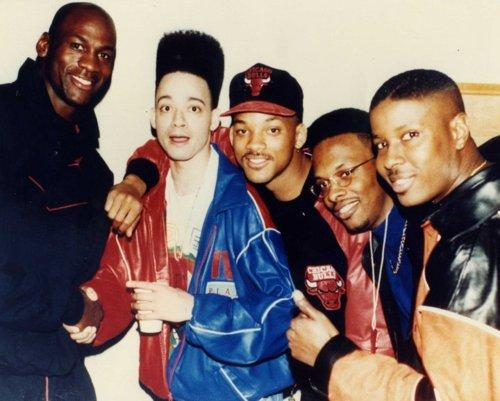 Happy Sunday. Here's an important photo of Michael Jordan posing with Kid 'n Play, Will Smith and DJ Jazzy Jeff. https://t.co/hJ0OYIOOrT