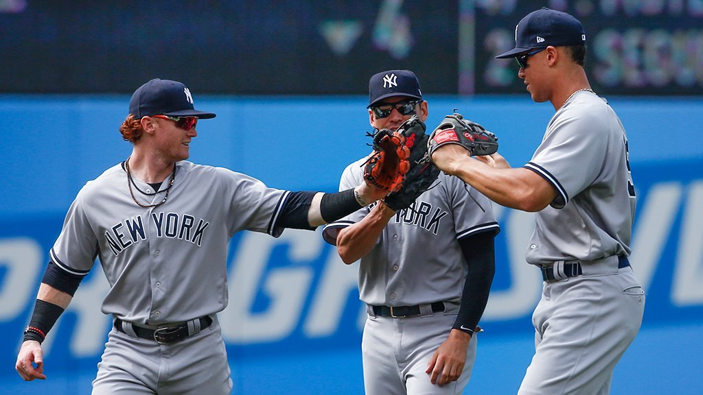 RECAP: Sevy was dominant again and the offense broke out. ����https://t.co/znIVpjZDIh https://t.co/XCxHNbSjZu