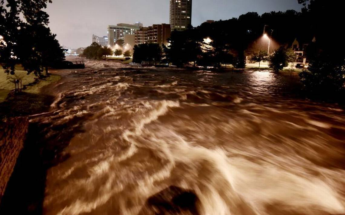 KC area, homeowners are swamped after third wave of summer storms