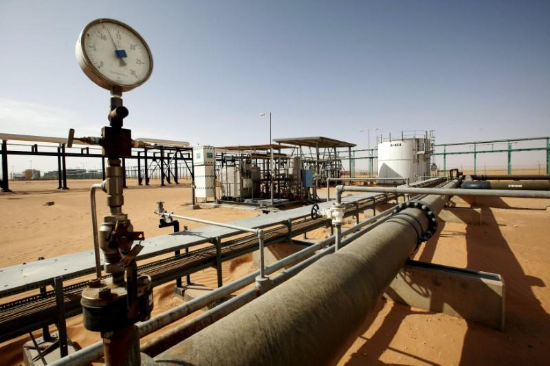 Libya's Sharara oil field gradually shutting down: engineer