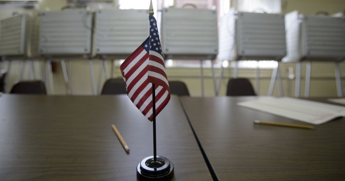 Macomb, Oakland Co. voters to decide council, mayoral races Tuesday