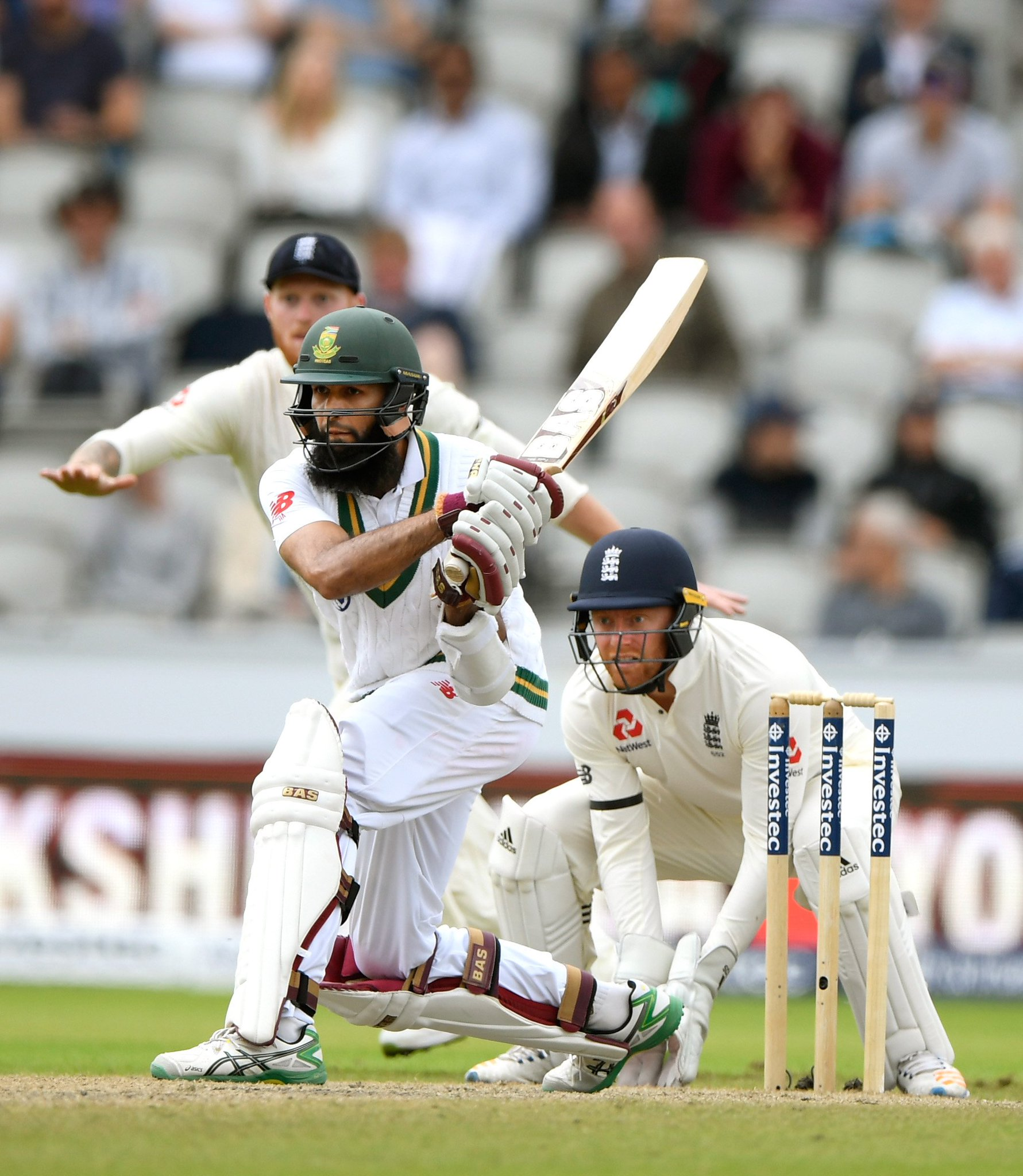 35th Test fifty for Hashim Amla in testing conditions. South Africa: 102/3.  #ENGvSA https://t.co/gNo4QdKqhL