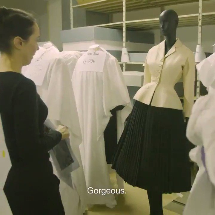 Discover the stories behind the dressing of the mannequins and more https://t.co/mnU2ZZmNwx!  #DiorArtsDeco https://t.co/bHtbxtctCx