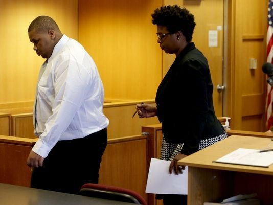 Teen pleads guilty in shooting of 2 Detroit policemen on porch
