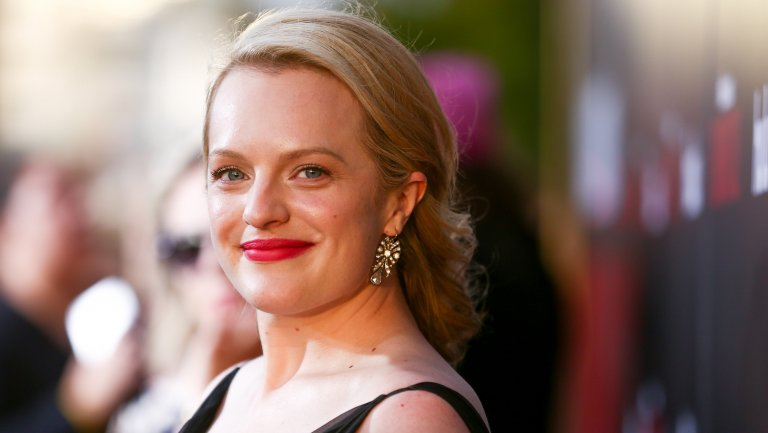 'Awards Chatter' Podcast: Elisabeth Moss ('The Handmaid's Tale')