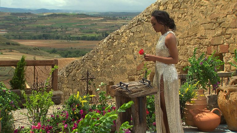 TheBachelorette: Engaged @TheRachLindsay reveals her winner in ABC's historic season finale