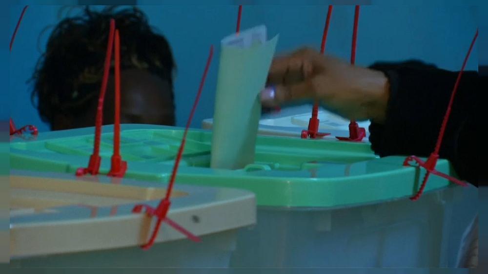 Kenya votes in presidential poll amid high tension