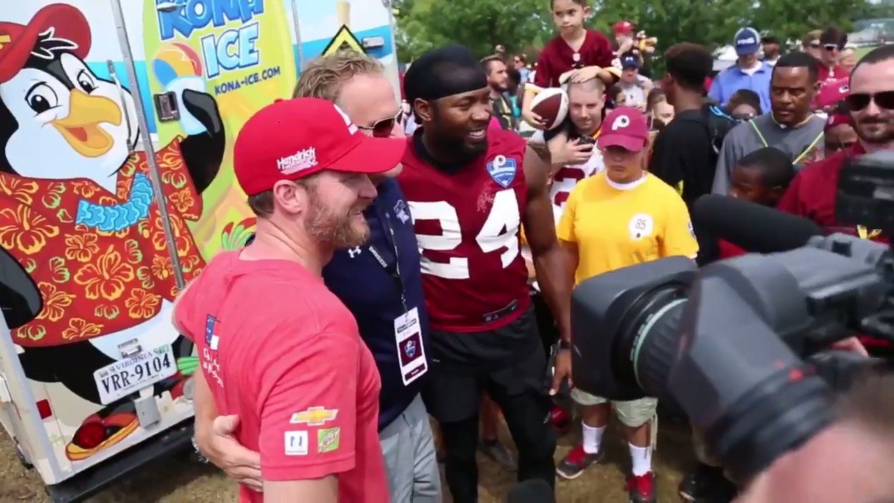 .@J_No24 & @DaleJr teamed up to hand out free @KonaIce to all the kids at #SkinsCamp today! #HTTR https://t.co/oinLN6FY39