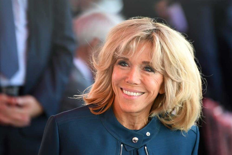 France unlikely to have an official first lady