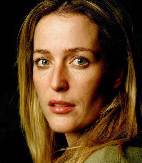 Gillian Anderson - Happy Birthday!