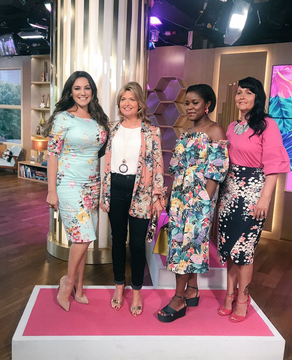 Summer Florals @thismorning @ThePrettyDress ???????????????????????????????? https://t.co/qaOOSk7cGJ