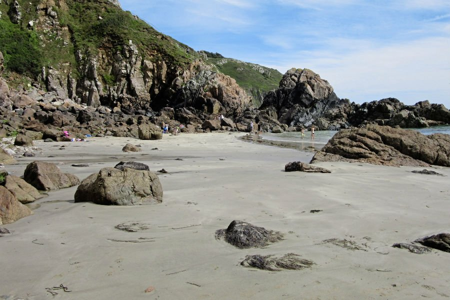 Tourism website changed over Guernsey 'nudist beach' concerns