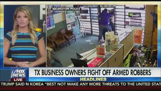 DON'T MESS WITH TEXAS! Video shows employees fighting off armed robbers https://t.co/l70kq24Ms1