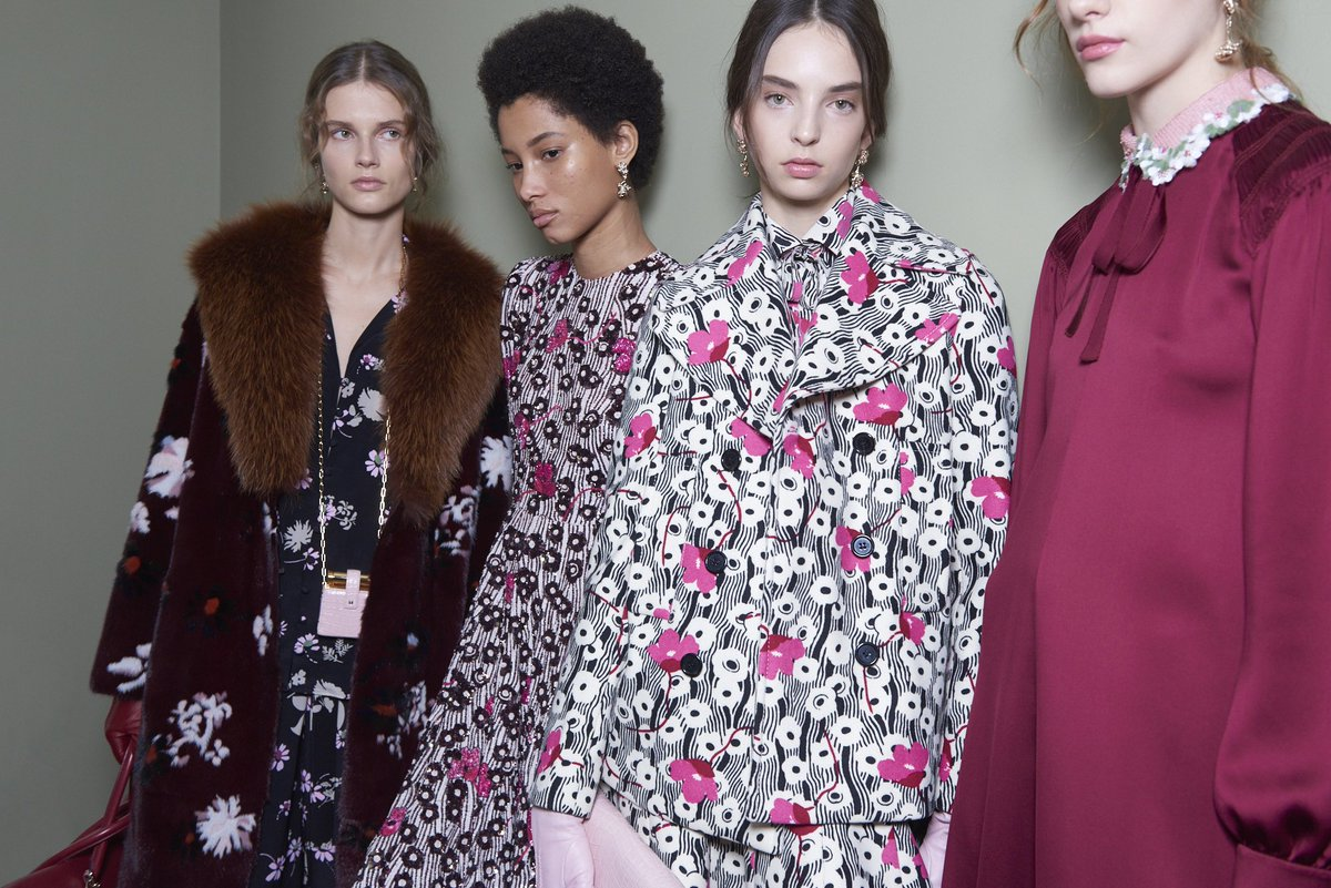 Prints, patterns and solid colors characterized flowy chemisiers dresses and pajamas: #PreFall17 Collection https://t.co/4wVpIiXofZ