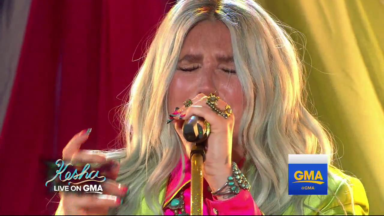 WATCH: @KeshaRose performs 'Praying' LIVE on @GMA. https://t.co/jGJ0mfxdGD https://t.co/lY90CtFBbi