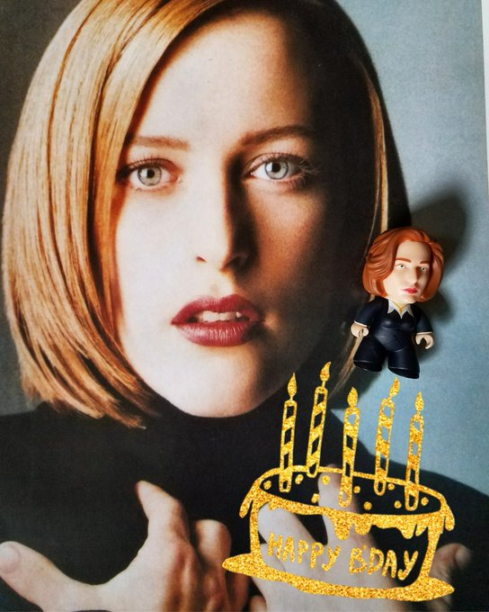 Happy birthday Gillian Anderson!!