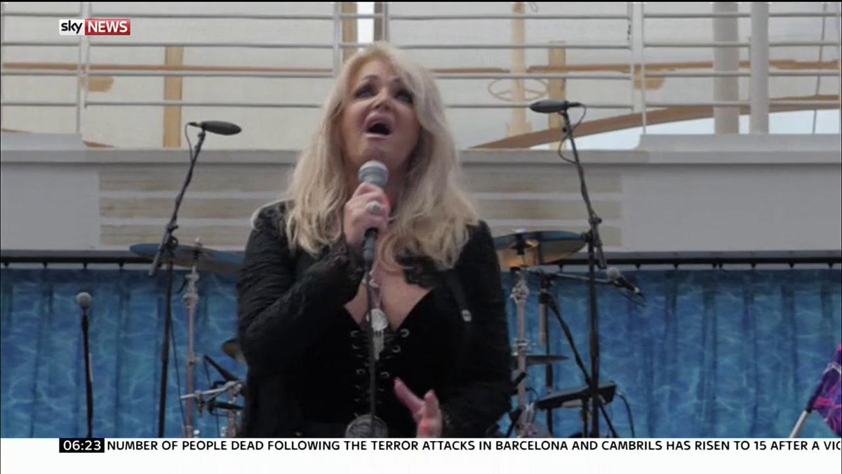 Bonnie Tyler sings Total Eclipse of the Heart during the #Eclipse on a cruise ship in the Caribbean