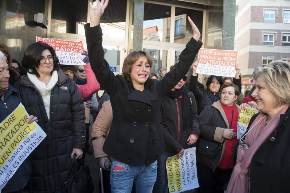 #ULTIMAHORA Juana Rivas comparecerá este martes en sede judicial, según su asesora legal