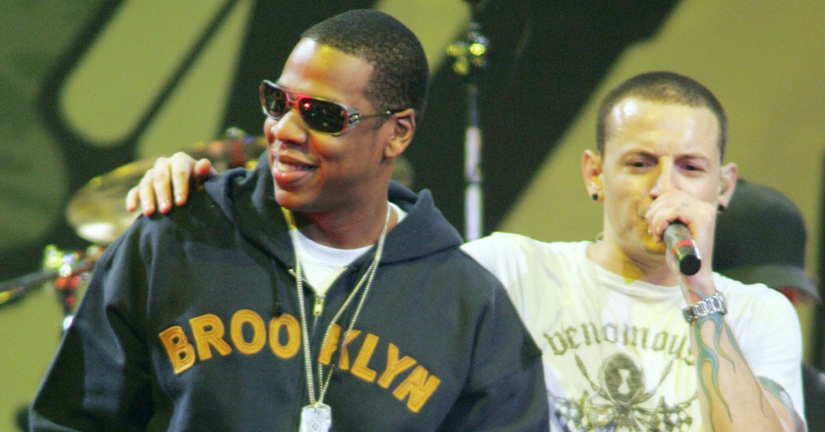 "Jay-Z pays tribute to Chester Bennington with ""Numb/Encore"" performance"