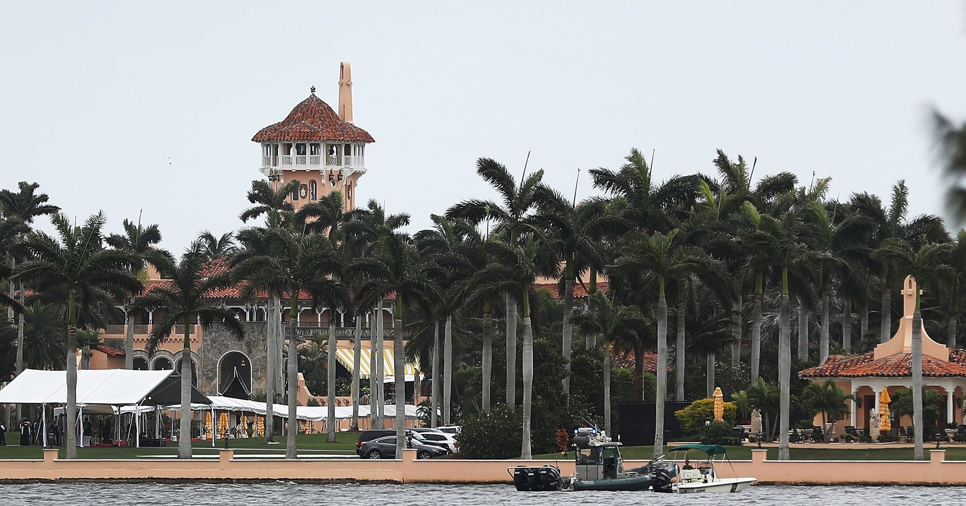 More nonprofits pull fundraisers from Mar-a-Lago after Trump defends white supremacists https://t.co/kbWGTYanO7 https://t.co/hrkHJ5gTlw