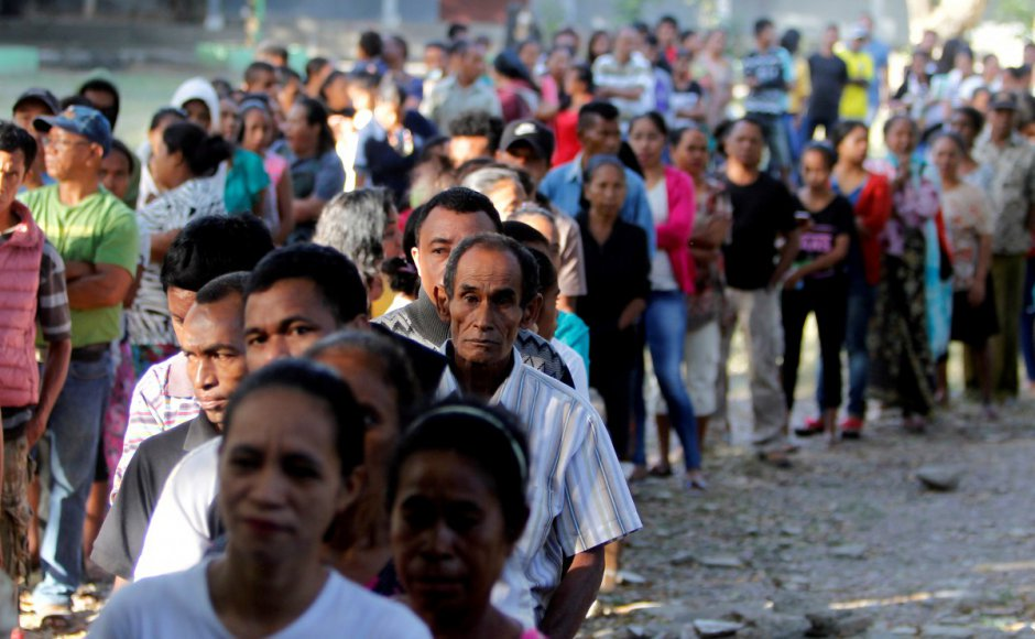 East Timor students protesting corruption hit with tear gas