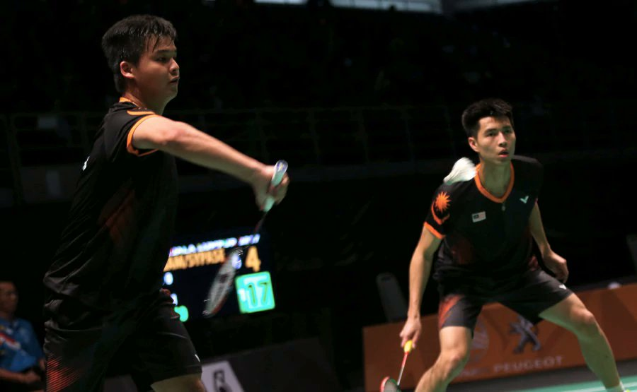 Malaysia strolls into men's badminton semis with 3-0 rout of Laos