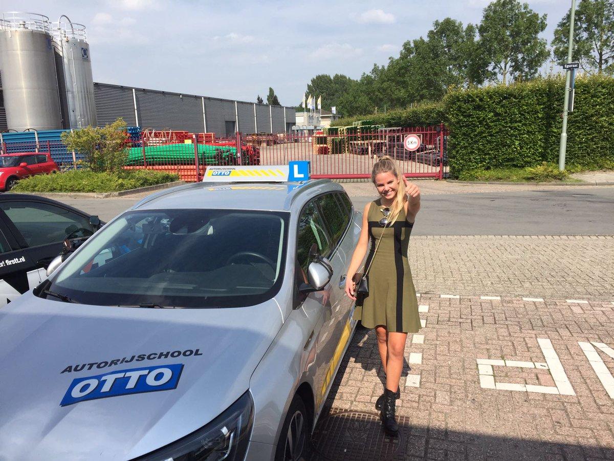 test Twitter Media - Laurelle Vuijk na een keurige examen rit geslaagd voor je rijbewijs. Van harte gefeliciteerd! nu kun je je scooter inruilen voor een auto. https://t.co/SvpsolVLra