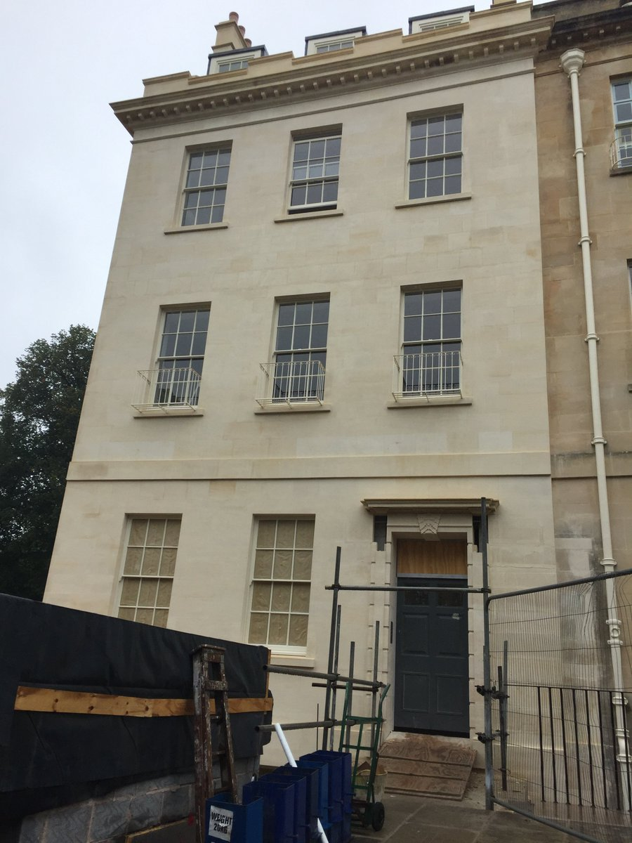 Somerset Place in our Bath Stone #nearlycomplete #bathstone #parklane https://t.co/JwpPkwfXOA