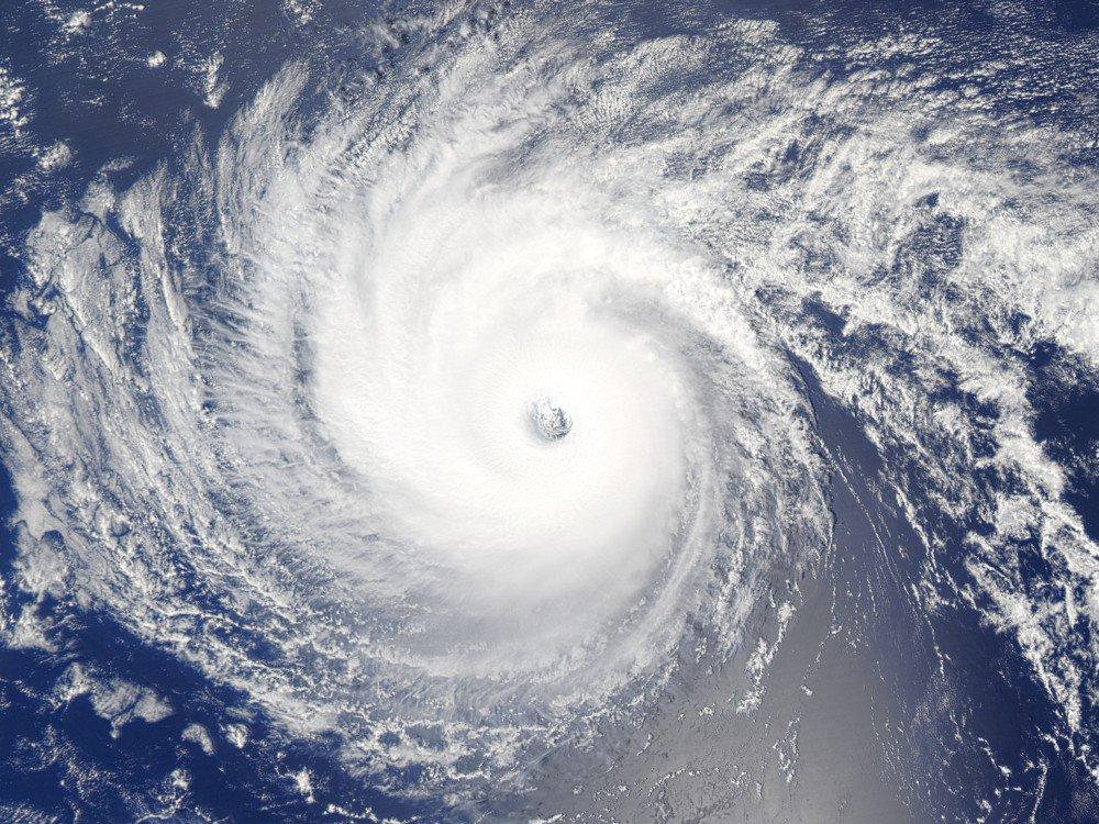 Los huracanes más devastadores de la historia (GALERÍA):  https://t.co/4RBX228tVo #Huracan https://t.co/cvELqWKyIk