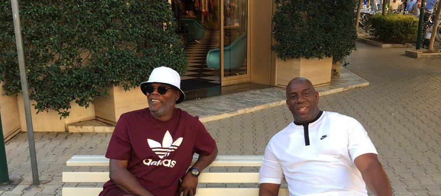 Confunden a Samuel L. Jackson y a Magic Johnson con dos 'vagos inmigrantes' en Italia https://t.co/PLoLRPFVOG https://t.co/dI7ZBFS5Lp
