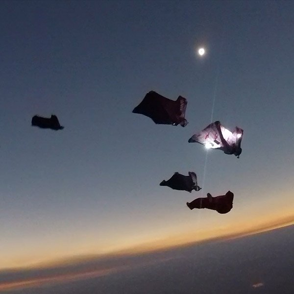 This video of skydivers plunging through the solar eclipse is insane https://t.co/1TB1PipsEX https://t.co/xT7Mm86Wi5