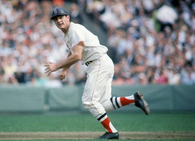 Happy 78th bday to former legend Carl Yastrzemski, seen here in 1967 when he won the AL triple crown