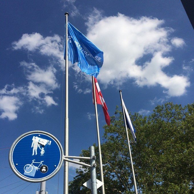 Right to Left - Zurich Flag, Switzerland Flag and Flag of the local Diamond League meet. Gotta love track and fiel… https://t.co/jGxXPhaKqF https://t.co/FuMP4y7CMJ