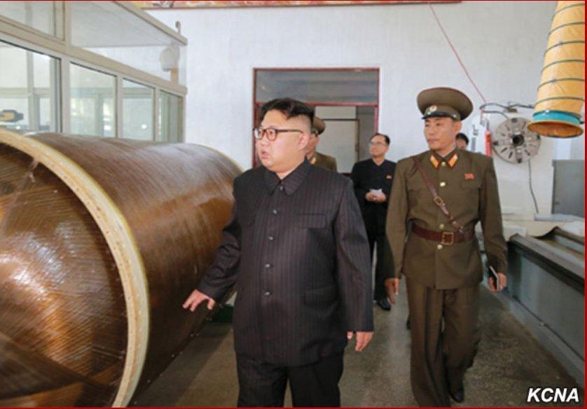 Développement des fusées et missiles et la Corée du Nord DH4L0XWU0AA87_E