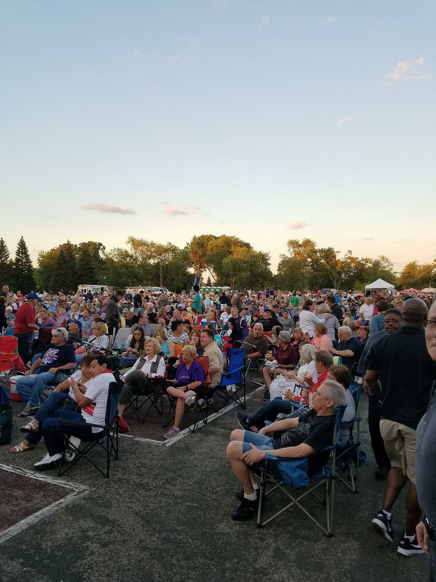 test Twitter Media - Enjoyed the final concert of the Summer by the Ides of March in Hillside.  Summer Nights in the Commons was a huge success this year! https://t.co/dIt1FqxjNA