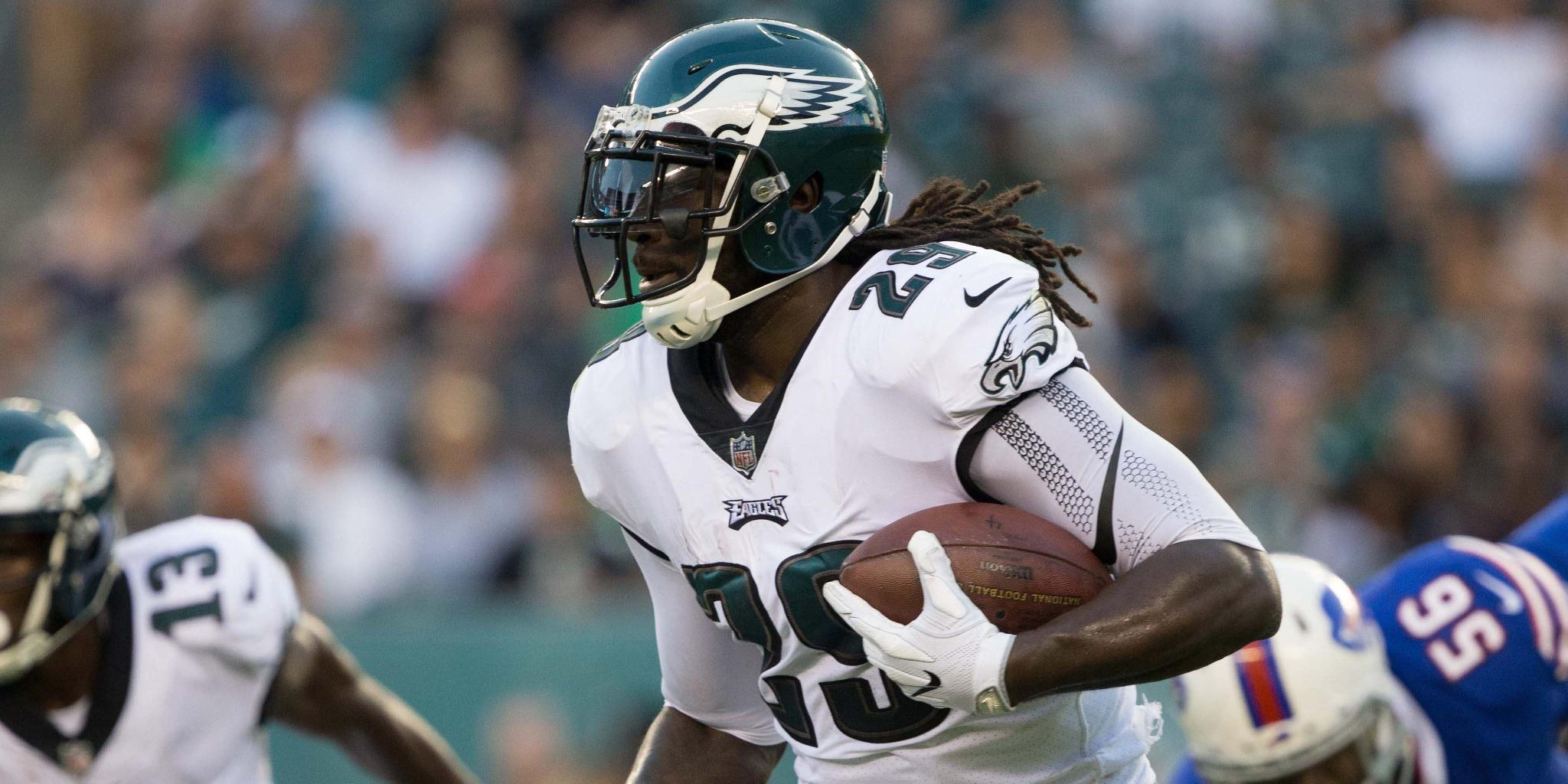 How will the Eagles use Blount? https://t.co/iPHDKOmnLo https://t.co/qijjWYCSXZ